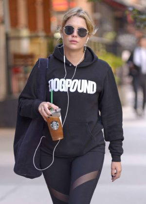 Ashley Benson in Leggings Heads to the Gym in New York City