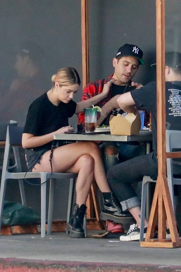 Ashley Benson - Seen at Mustard Seed Cafe in Los Angeles