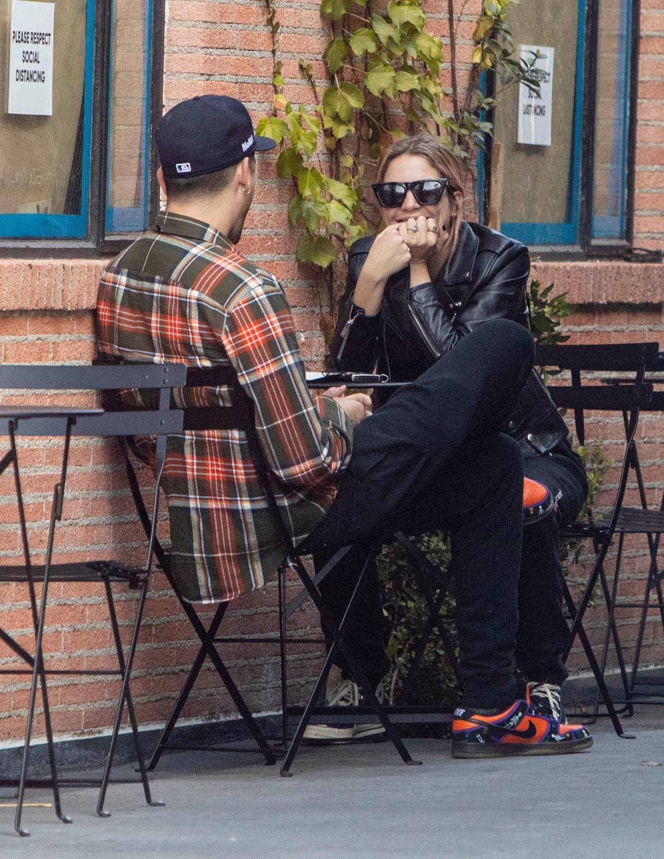 Ashley Benson - Spotted with G-Eazy at Alfred's in Studio City