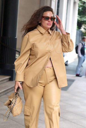 Ashley Graham - Exit from her hotel in Milan