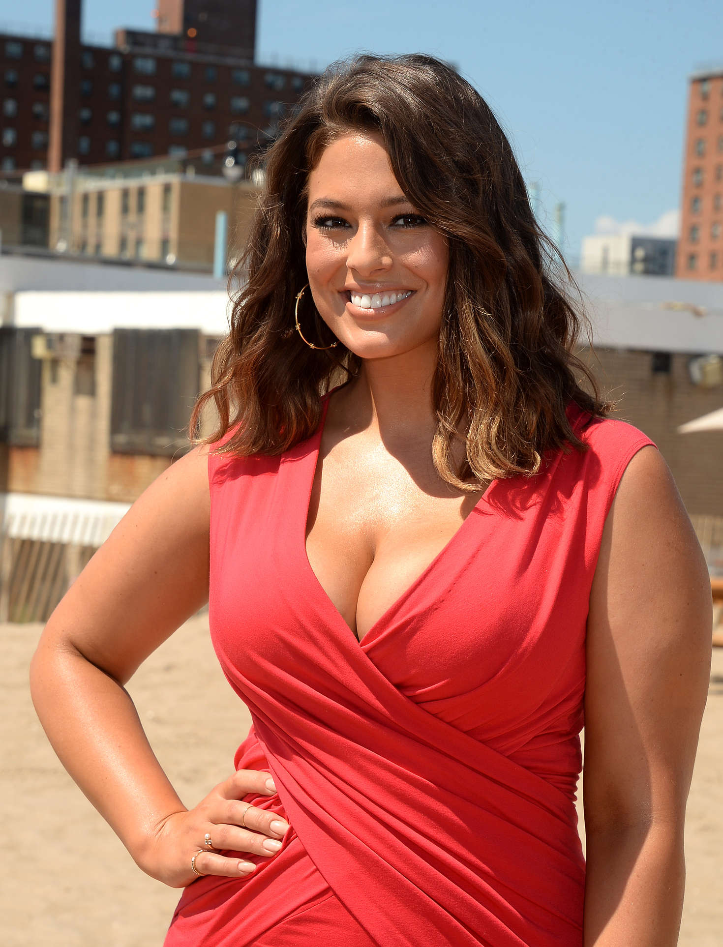 Ashley Graham: Sports Illustrated Summer Of Swim Fan