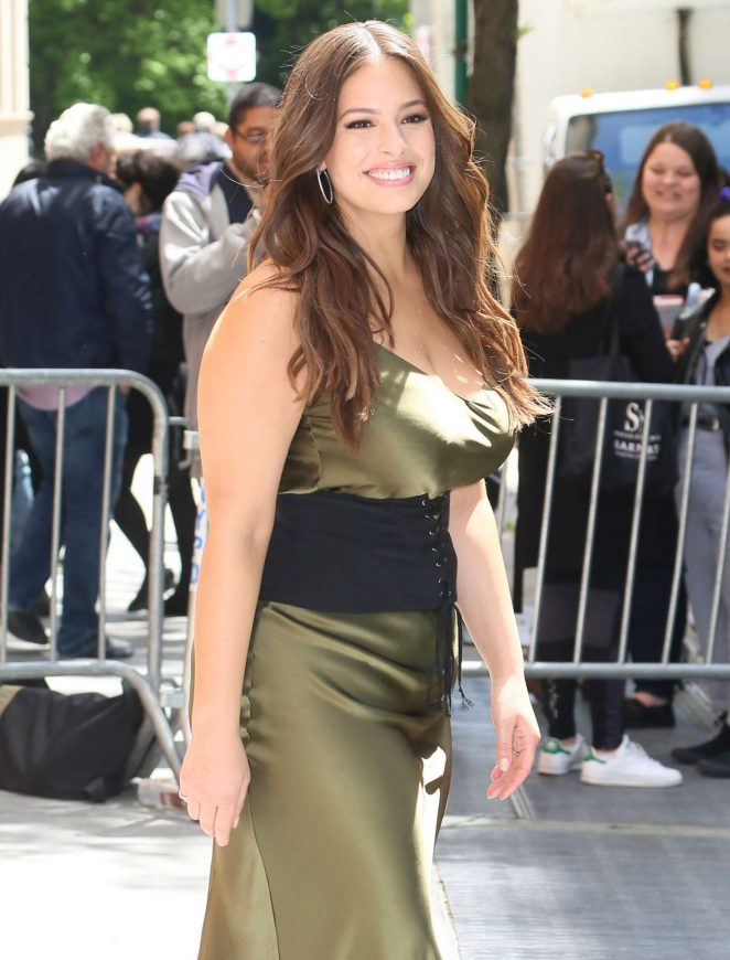 Ashley graham visits the tv show the view 16 gotceleb for Tv shows to see in new york