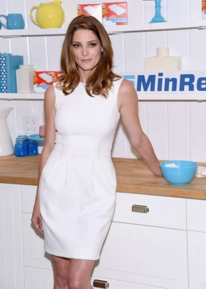 Ashley Greene - #15MINRENO Ideas With Mr. Clean in NYC