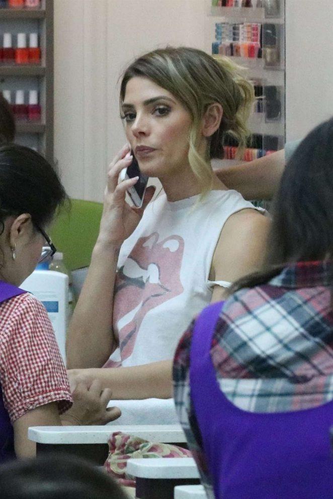 Ashley Greene at the Beverly Hills Nail Salon -16