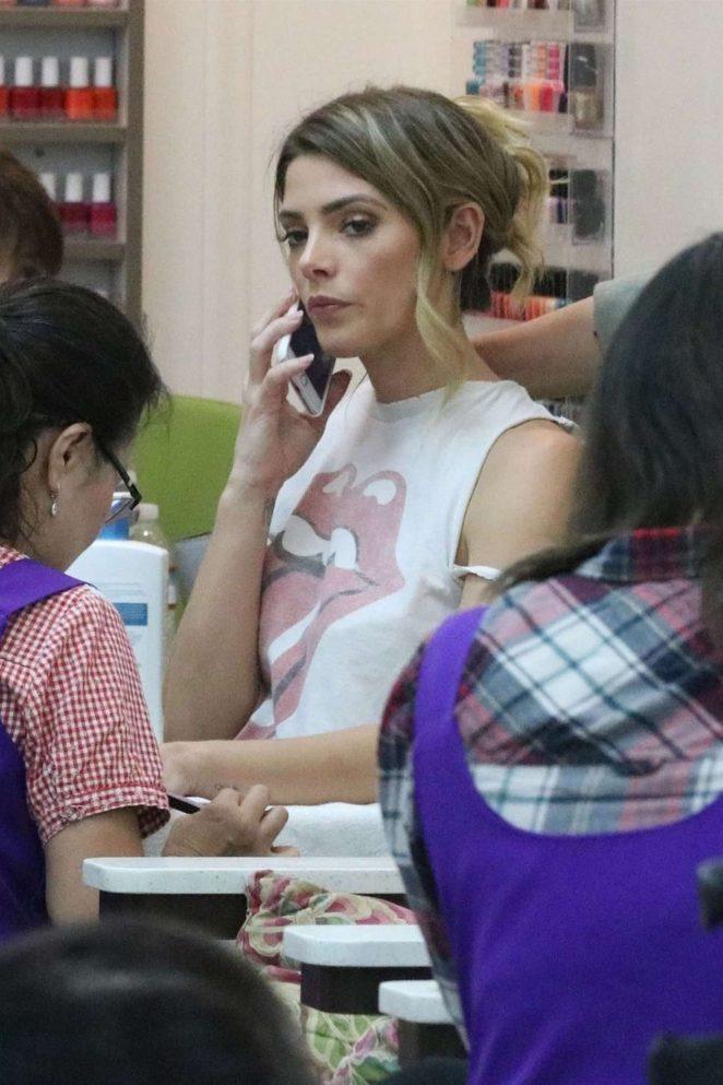 Ashley Greene at the Beverly Hills Nail Salon -18