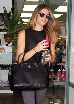 Ashley Greene - Goes to a nail salon in Beverly Hills