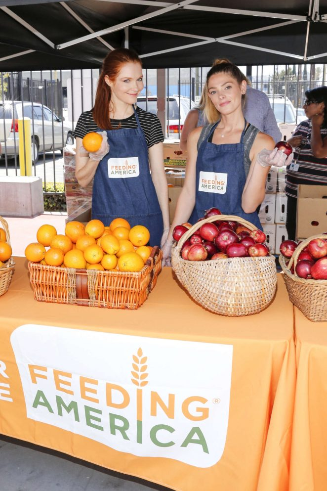 Ashley Greene - 'Put The Heat On Hunger' Celebrity Volunteer Event in LA