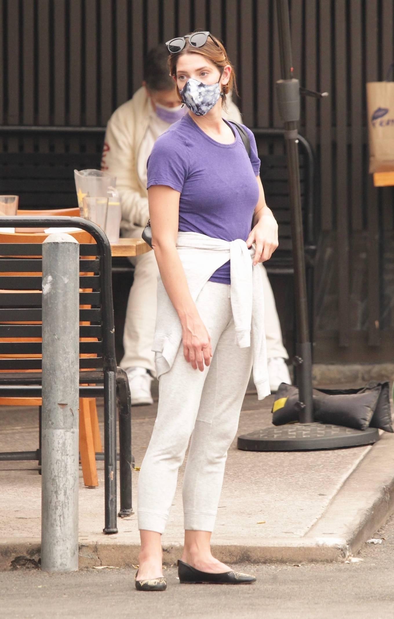Ashley Greene 2020 : Ashley Greene – Seen at sushi restaurant in Studio City-05