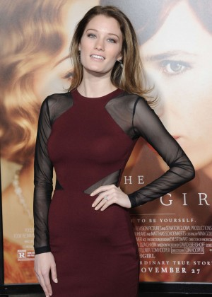 Ashley Hinshaw - 'The Danish Girl' Premiere in Los Angeles