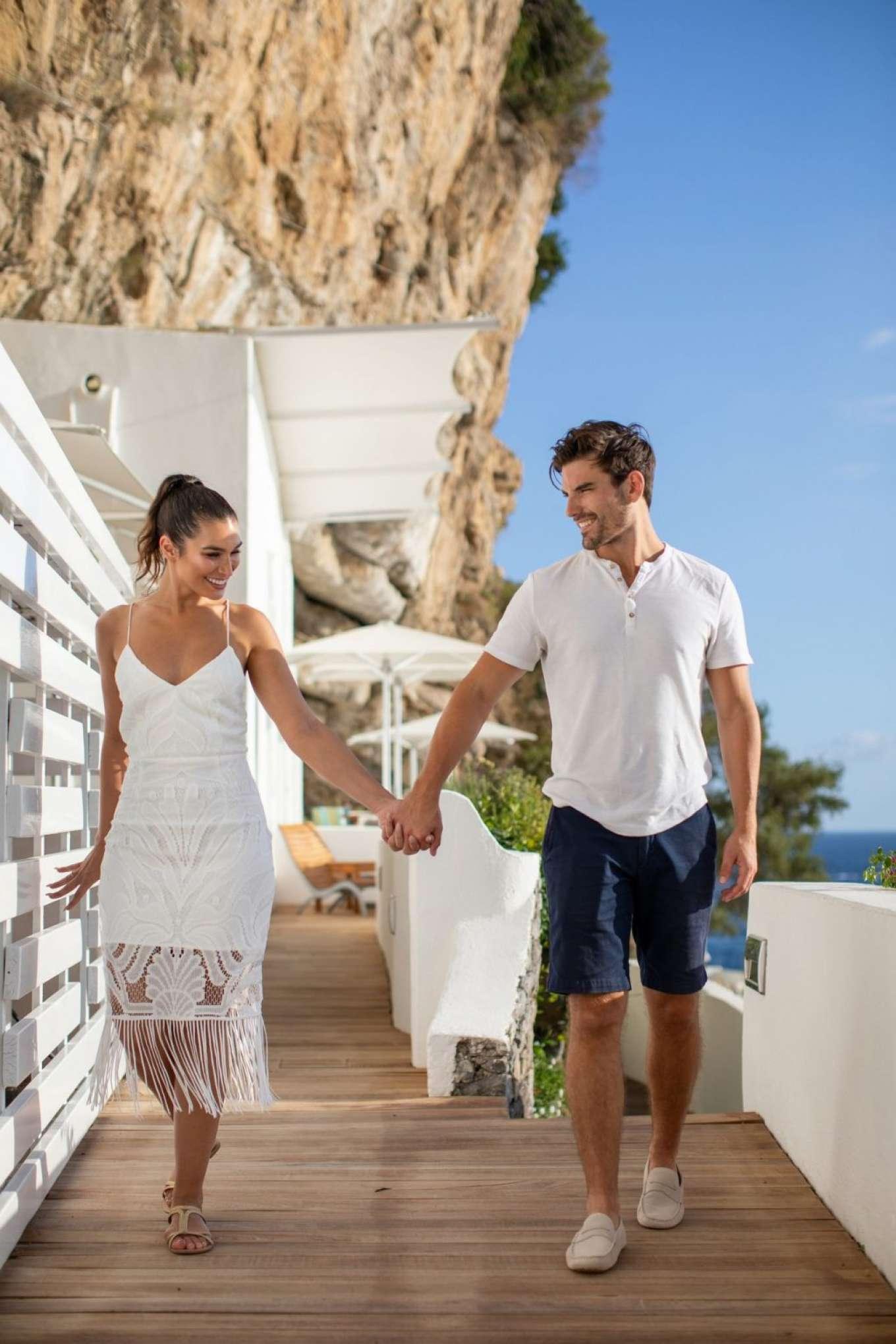 Ashley Iaconetti 2019 : Ashley Iaconetti and Jared Haibon on their honeymoon-01