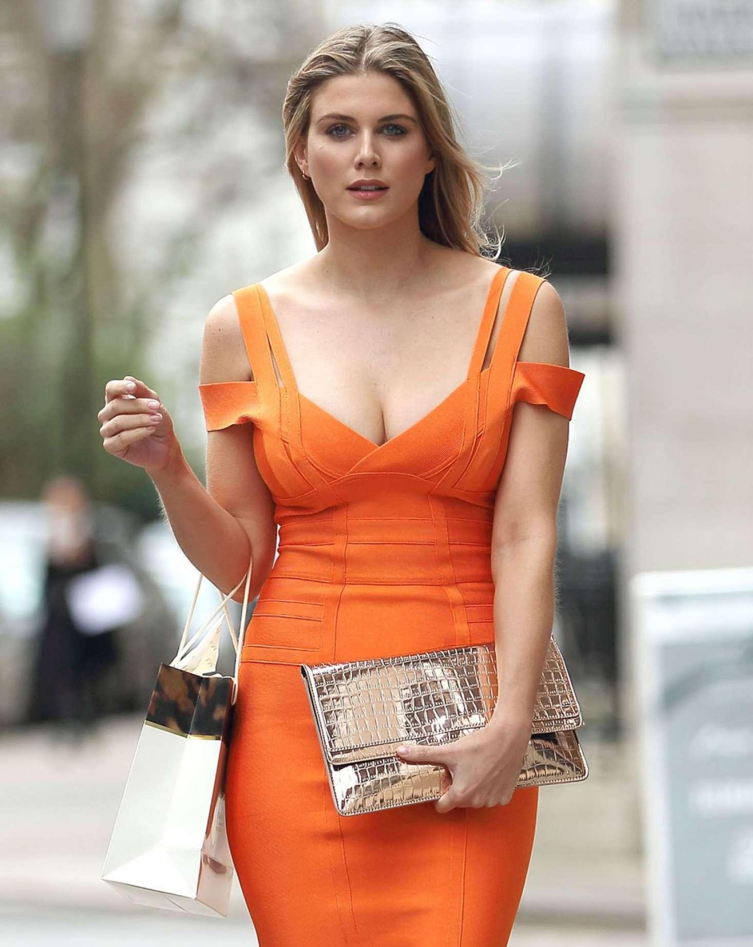 Ashley James Leaving Harvey Nichols 02 Danielle Bregoli