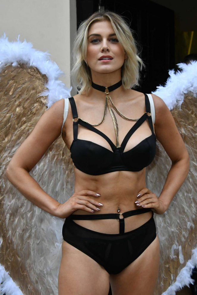 Ashley James – Simply Be's Christmas Collection Photocall in London