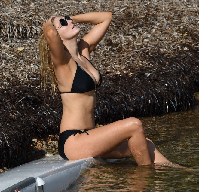 Ashley James – Wearing Black Bikini -10