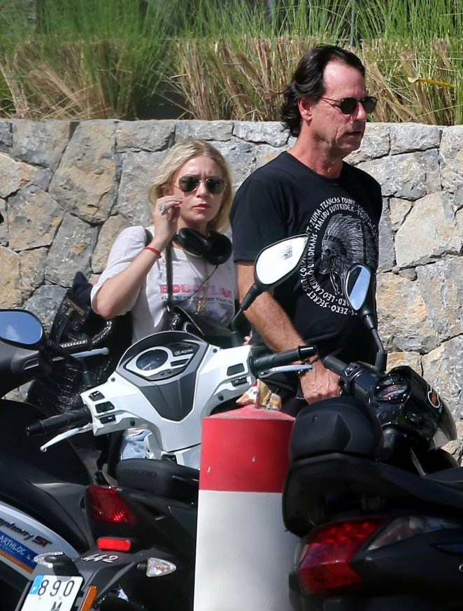 Ashley Olsen and Boyfriend Richard Sachs in Saint Barts