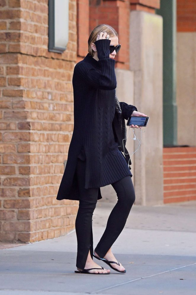 Ashley Olsen in Black out in Tribeca
