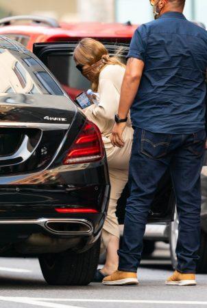 Ashley Olsen - Leaving The Row office in New York