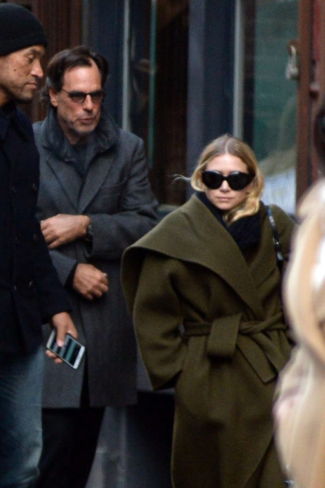 Ashley Olsen - Out for lunch in New York