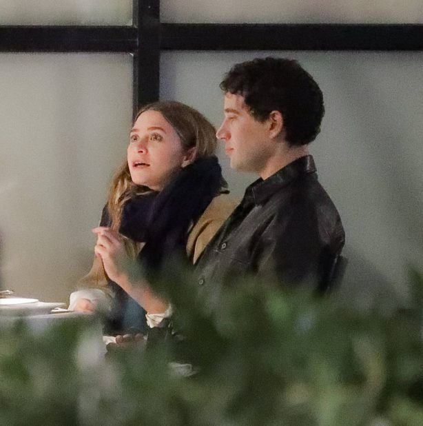 Ashley Olsen - With Louis Eisner on a double date night dinner in New York