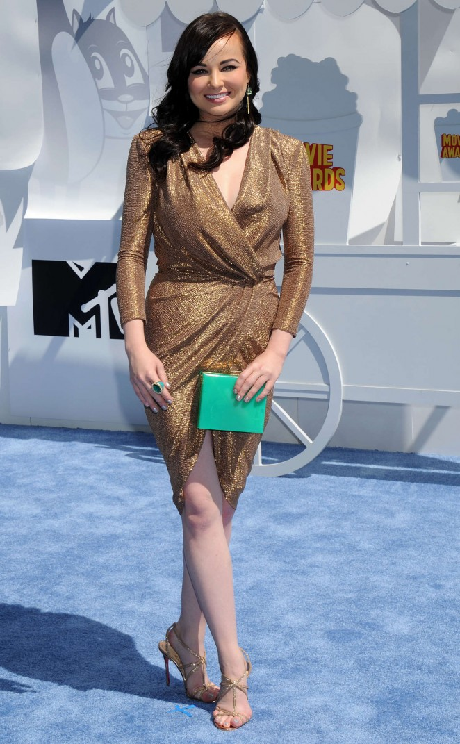 Ashley Rickards - 2015 MTV Movie Awards in LA