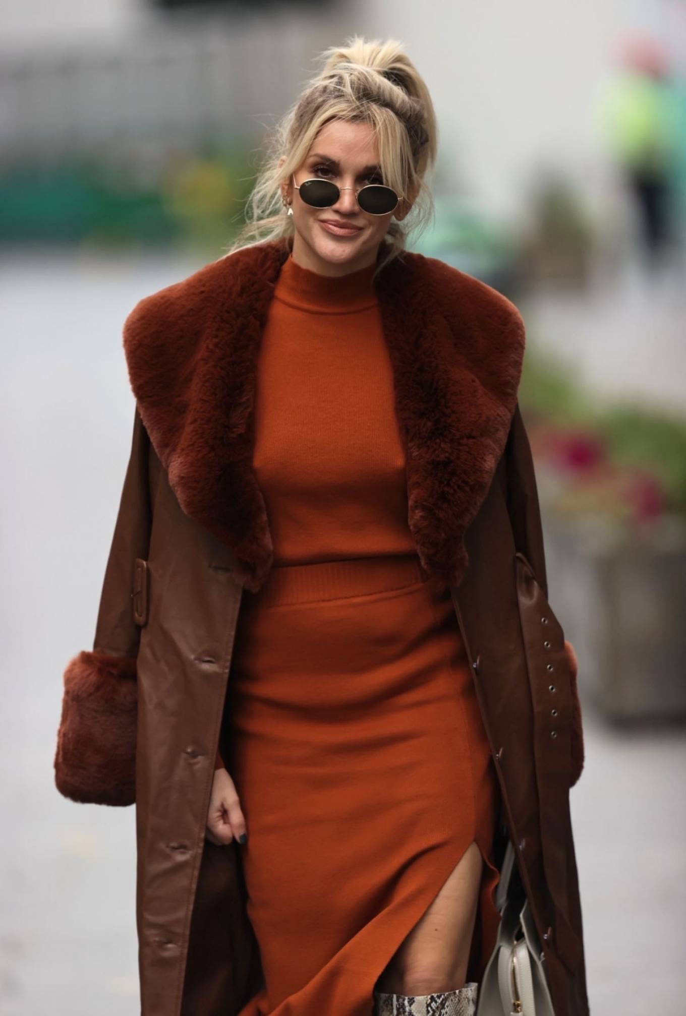 Ashley Roberts - Arriving at Heart FM Radio in London