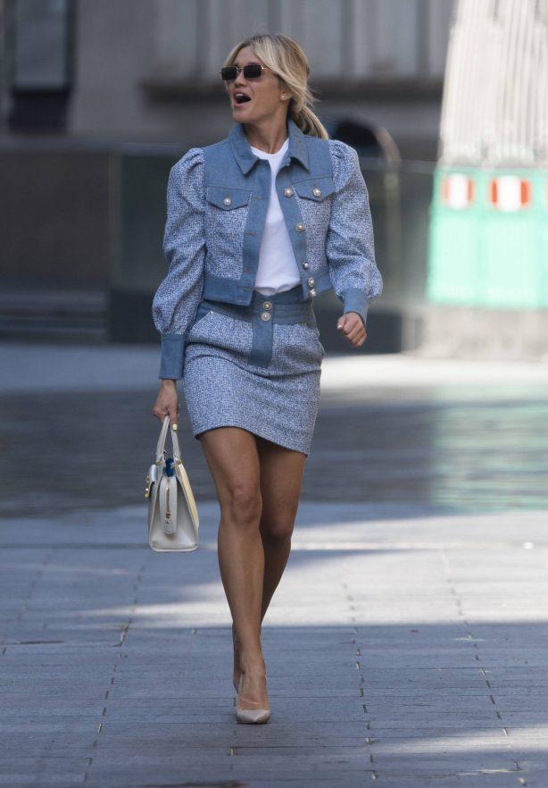Ashley Roberts - Dons stylish look at Global Radio Studios in London