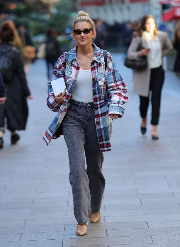 Ashley Roberts - Exits Global Radio in London