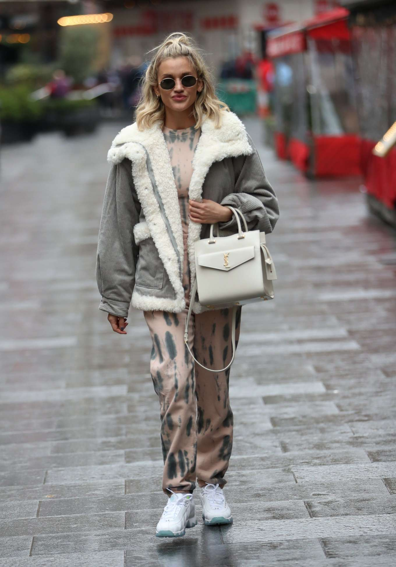 Ashley Roberts - Heads to Pussycat Doll rehearsals in London