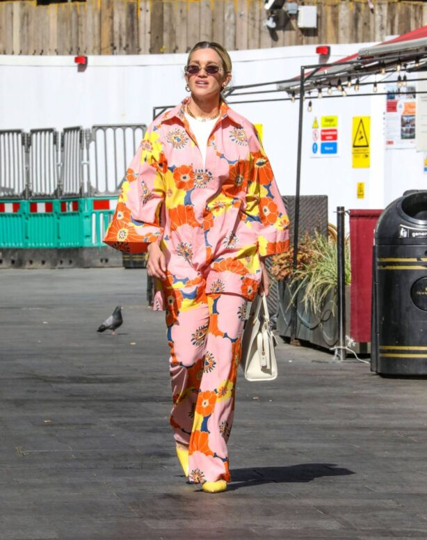 Ashley Roberts - In flower print outfit arrives at Heart Radio in London