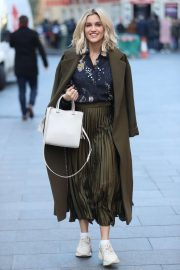 Ashley Roberts in Printed Blouse - Heads to rehearsals in London