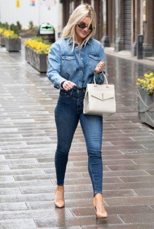 Ashley Roberts - In skinny denim at Global Studios Heart Radio in London