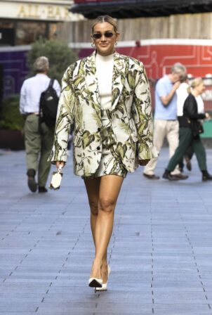 Ashley Roberts - Leaves Global Radio after presenting her show in London