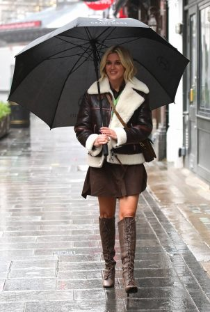 Ashley Roberts - Leaves Heart Radio in London