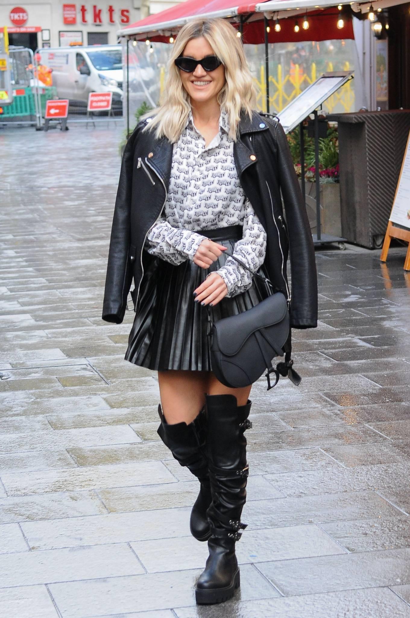 Ashley Roberts 2020 : Ashley Roberts – leaving Global Studios in London-11