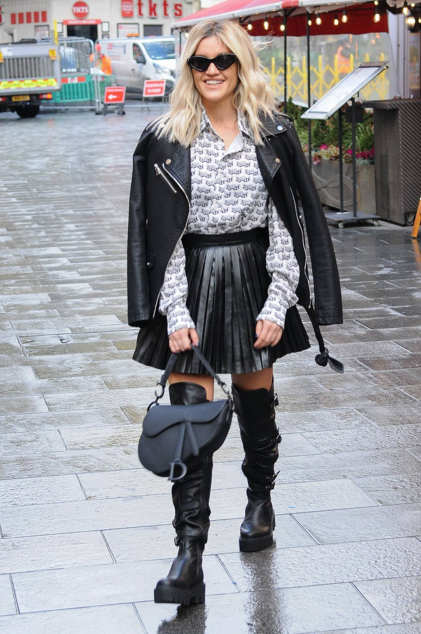 Ashley Roberts 2020 : Ashley Roberts – leaving Global Studios in London-12