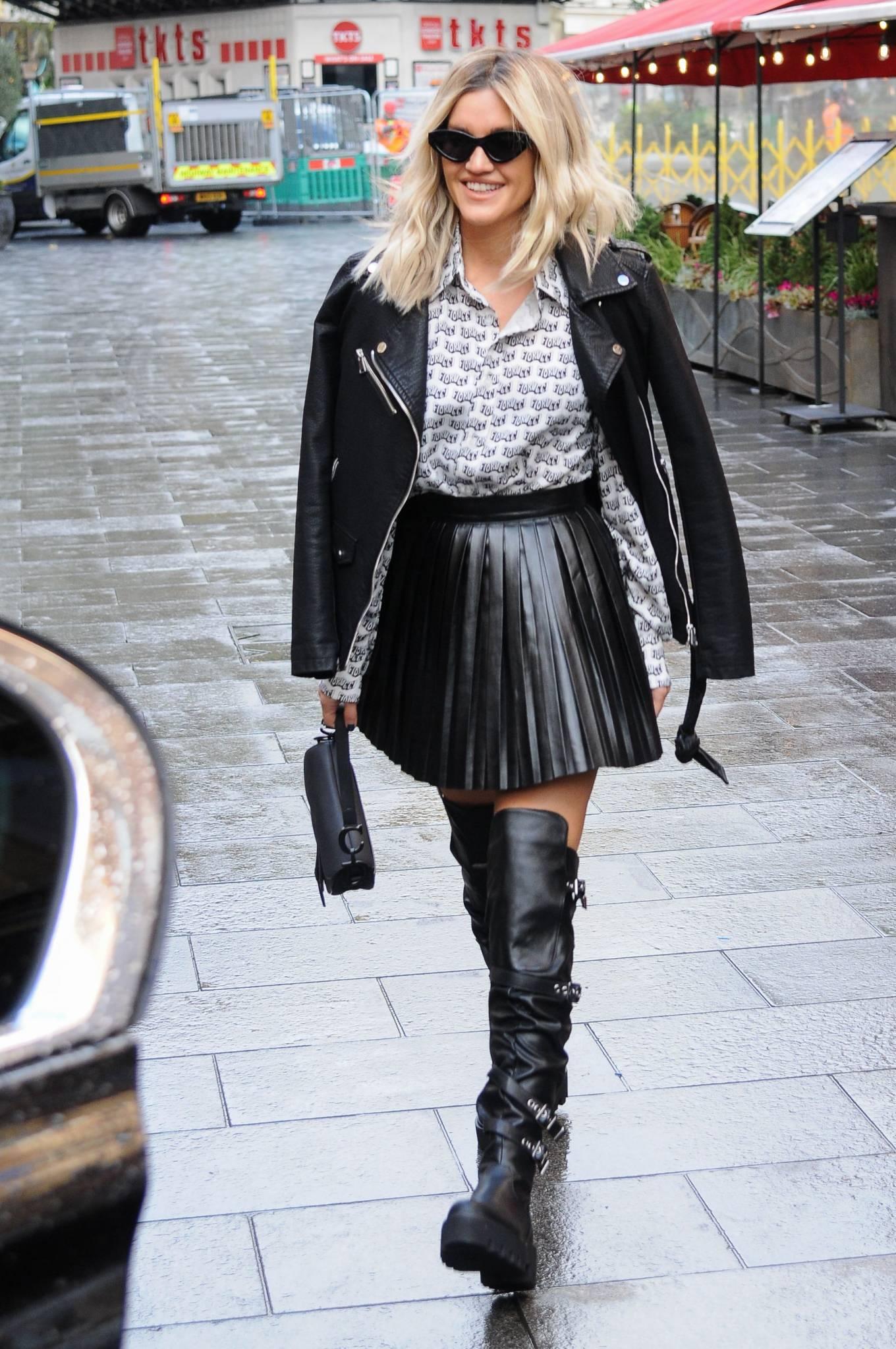 Ashley Roberts 2020 : Ashley Roberts – leaving Global Studios in London-17
