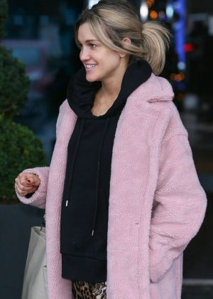 Ashley Roberts - Leaving her hotel in London