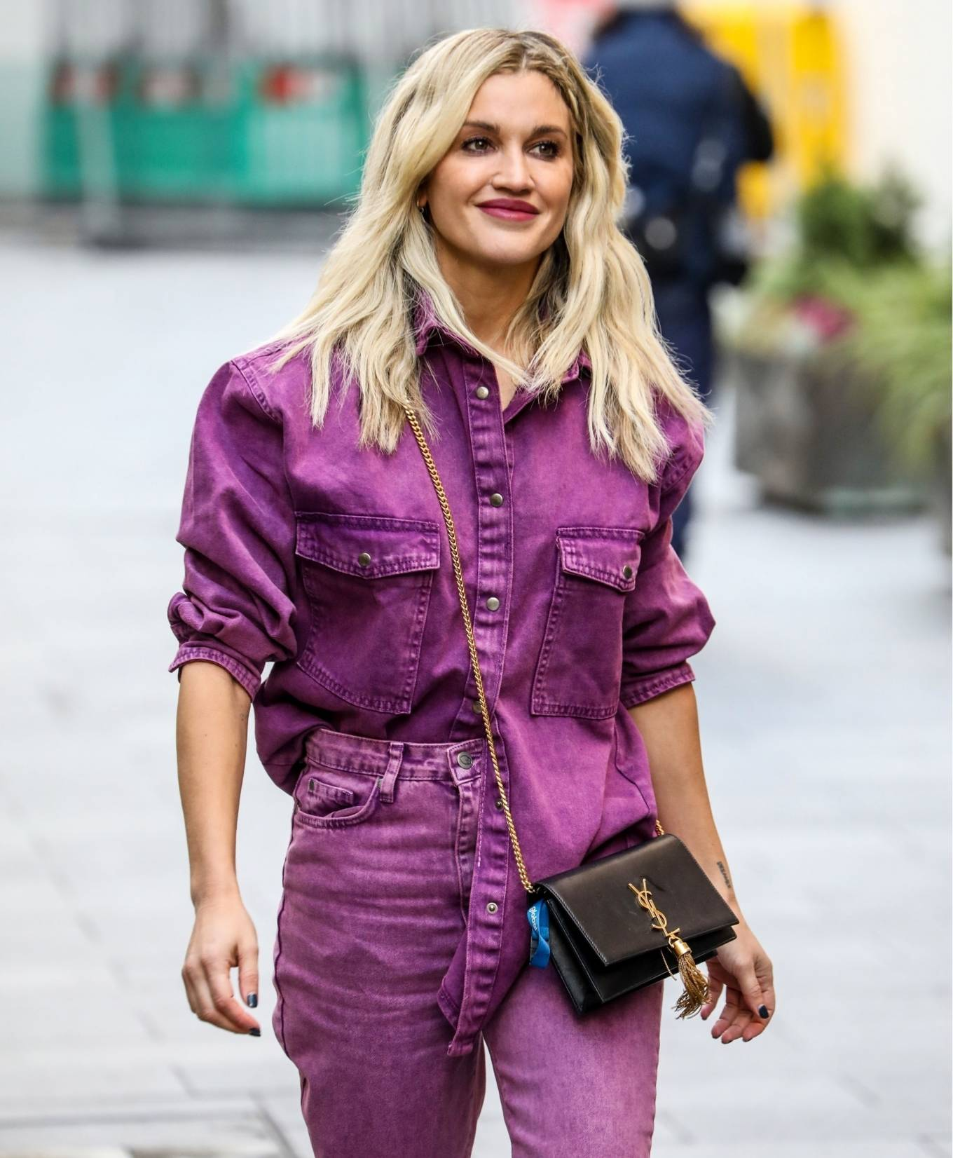 Ashley Roberts 2020 : Ashley Roberts – Leaving the Global Studios in London-06