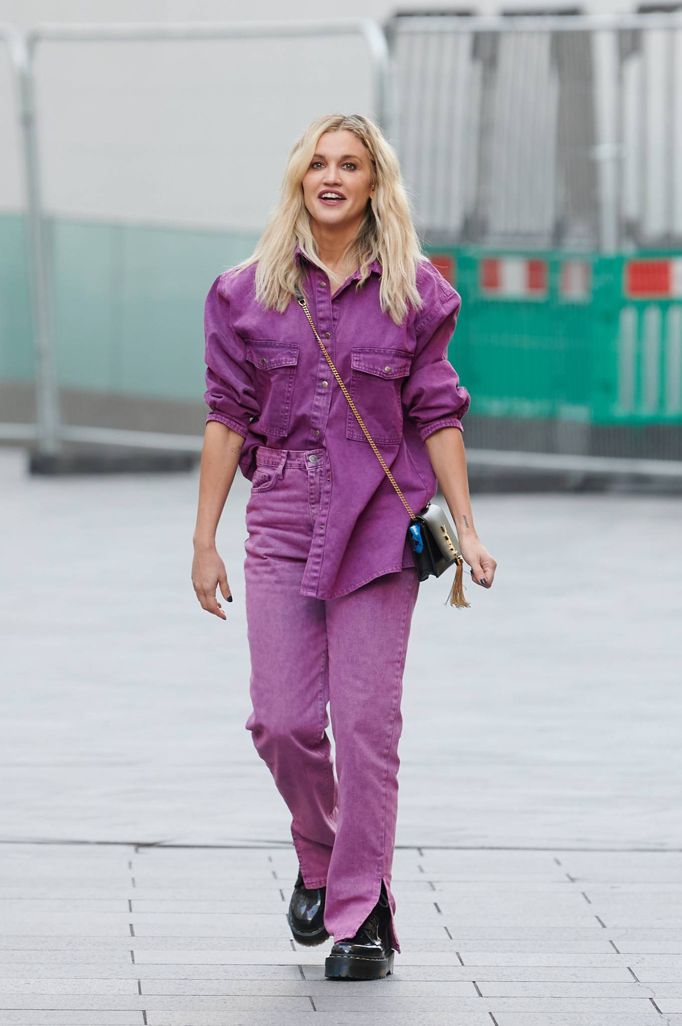 Ashley Roberts 2020 : Ashley Roberts – Leaving the Global Studios in London-08