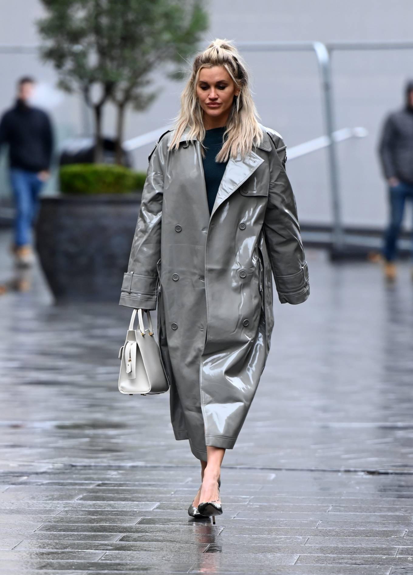 Ashley Roberts 2020 : Ashley Roberts – Looks chic in silver coat and pencil skirt in London-06