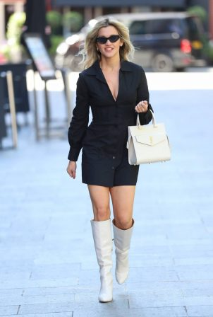 Ashley Roberts - Looks chick outside Heart FM in London