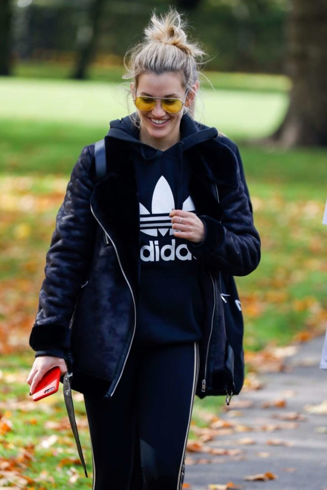Ashley Roberts out in Primrose Hill