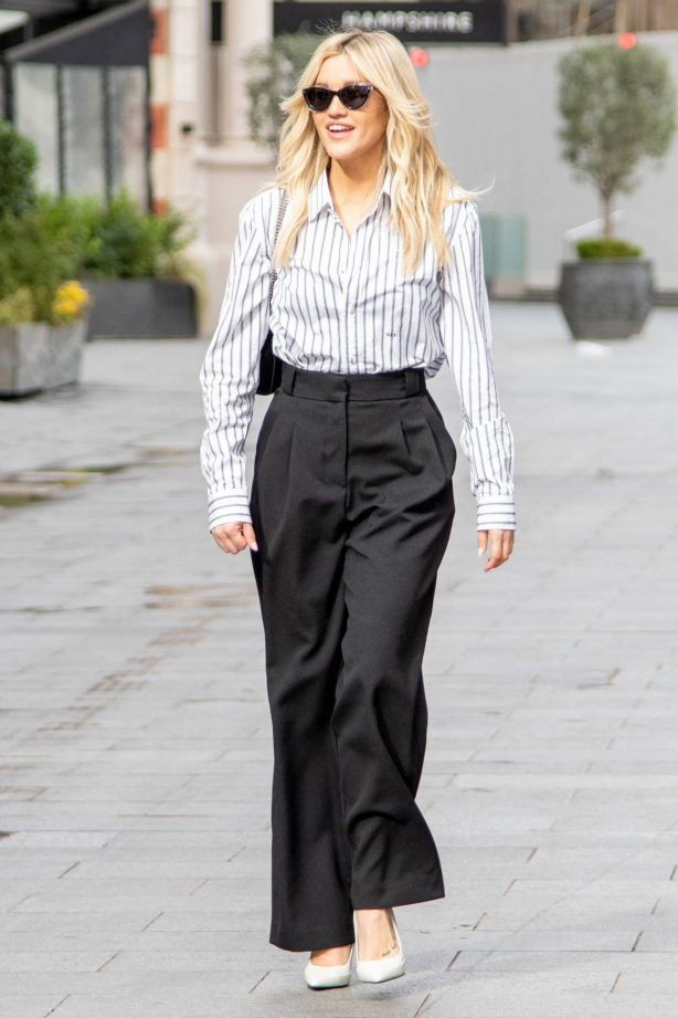 Ashley Roberts - Seen at the Global Studios in London