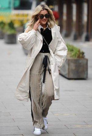 Ashley Roberts - Spotted leaving Global Studios in London
