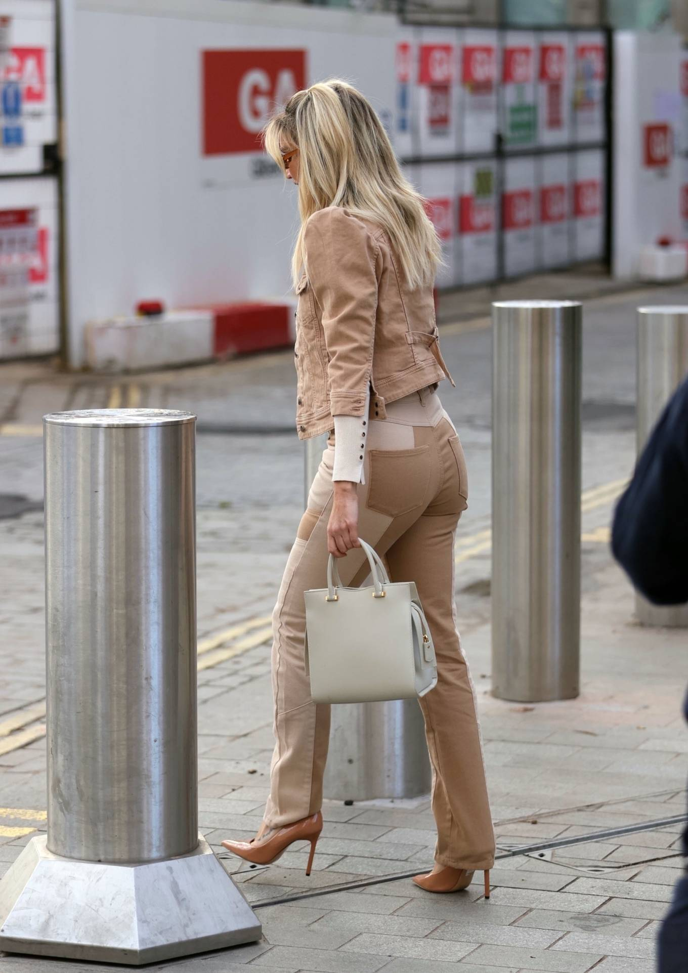 Ashley Roberts - Wears Retrofete at the Heart Radio Studios in London