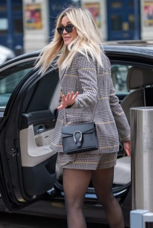 Ashley Roberts - Wears Saint and Sofia while leaving the Heart Radio Studios in London
