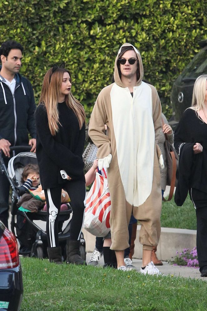ashley tisdale and christopher french at trick or treating on halloween 13 - Ashley Tisdale Halloween