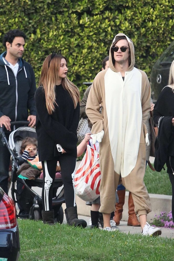 ashley tisdale and christopher french at trick or treating on halloween 15 - Ashley Tisdale Halloween