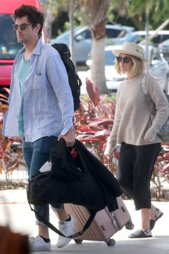 Ashley Tisdale and Christopher French - Head to their hotel in Cancun