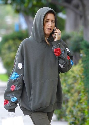 Ashley Tisdale at Joans on Third Cafe in Studio City