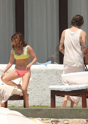 Wallpaper Ashley tisdale bikini